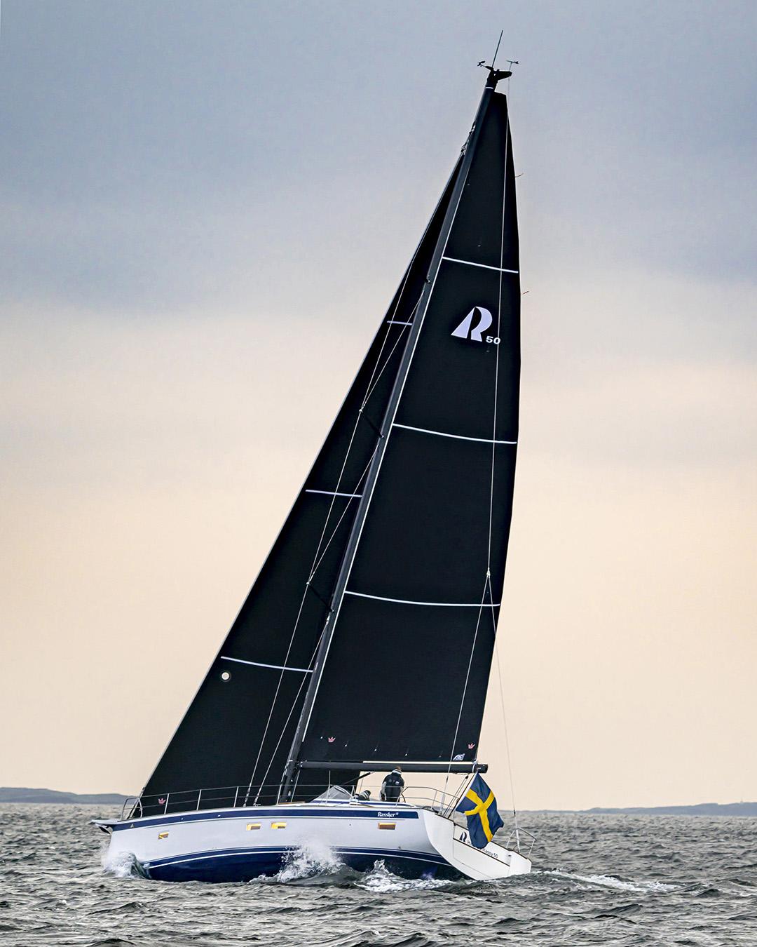Seldén introduces carbon furling masts